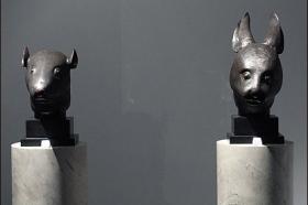 法国法院批准拍卖中国圆明园青铜兽首