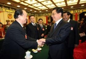 胡锦涛等九常委参加政协委员分组讨论