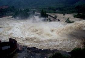 湖北暴雨造成4人死亡6人失踪(图)