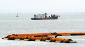 5名工人被困海下20米管内遇难(组图
