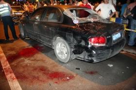 司机酒后驾车连撞9人 5人死亡包括孕妇(组图