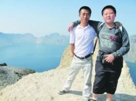 父亲让13岁儿子休学一年走遍全国(图)