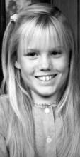 美国少女被绑架18年生下两个孩子