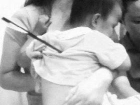 男子将箭射入2岁女童体内被抓(图)