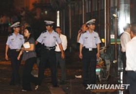 上海劫持人质事件遭挟持女子成功获救(组图)