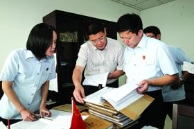 重庆涉黑系列案件今日开审 部分庭审将长达半月