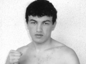 俄世界泰拳冠军平安夜在体育馆被枪杀