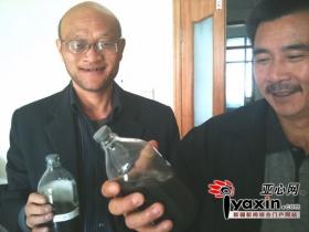 煤矿送尘肺病工人洗肺 1人洗出48瓶黑水