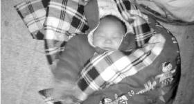 男子实录弃婴过程未阻止 上网发帖被质疑