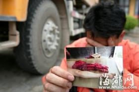 养路工制止滴撒漏遭渣土车碾死 司机被控制