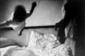 保姆摔打10月大女婴 雇主视频记录虐婴镜头