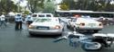 男子驾奥迪被拦后冲撞交警 称警察多管闲事