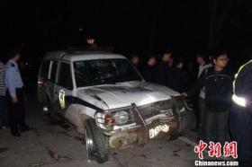 惠州一警车高速行驶当场撞死一摩托车司机