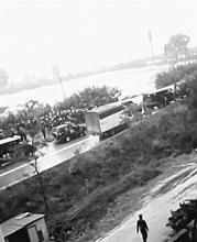 云南数百村民打砸公务车续
