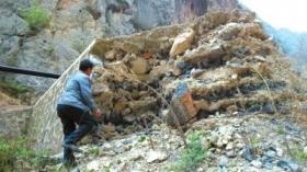 舟曲致1700多人死亡泥石流被指无县领导担责